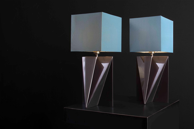 Tischlampe-Stahl-blauer-Lampenschirm
